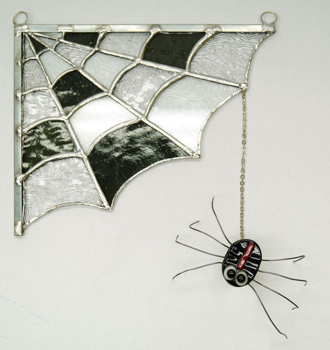 Hang Spider from Panel