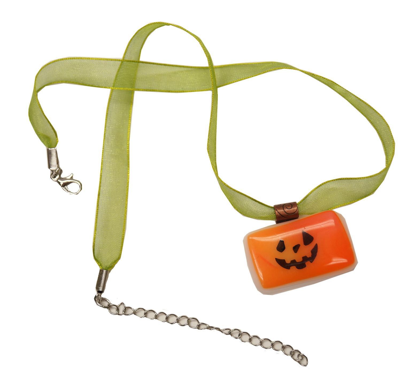 Free Hocus Pocus Pumpkin Pendant Project Guide