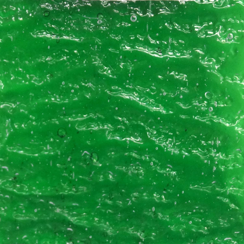 Kokomo Medium Christmas Green Transparent Rolled Granite