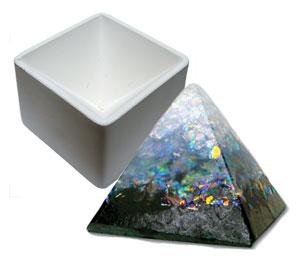 Delphi Studio Pyramid Paper Weight Mold