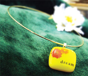 Free Just Dreaming Pendant Project Guide