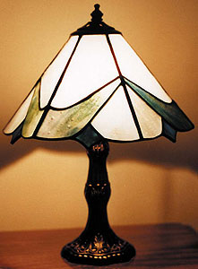 free contemporary lampshade pattern by stained glass news. Black Bedroom Furniture Sets. Home Design Ideas